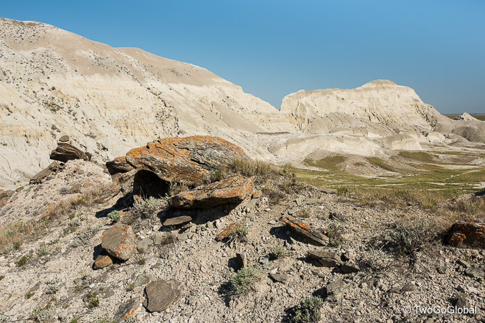 White buttes